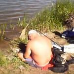 s'endort bourré à la pêche
