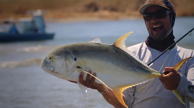 pêcheur heureux
