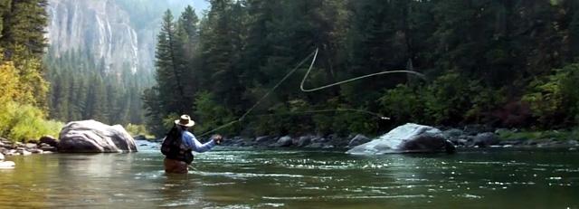 pêcheur à la mouche dans le Montana