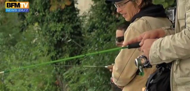 Le street fishing dans la Seine, filmé par BFM TV
