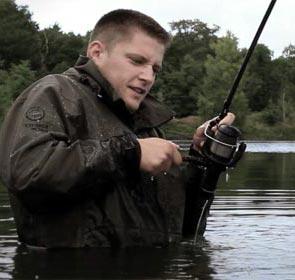 une voix au dessus des roseaux, film sur la pêche de la carpe