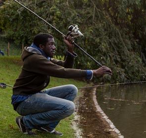 Mohamadou, pêcheur de carpe black à Paris